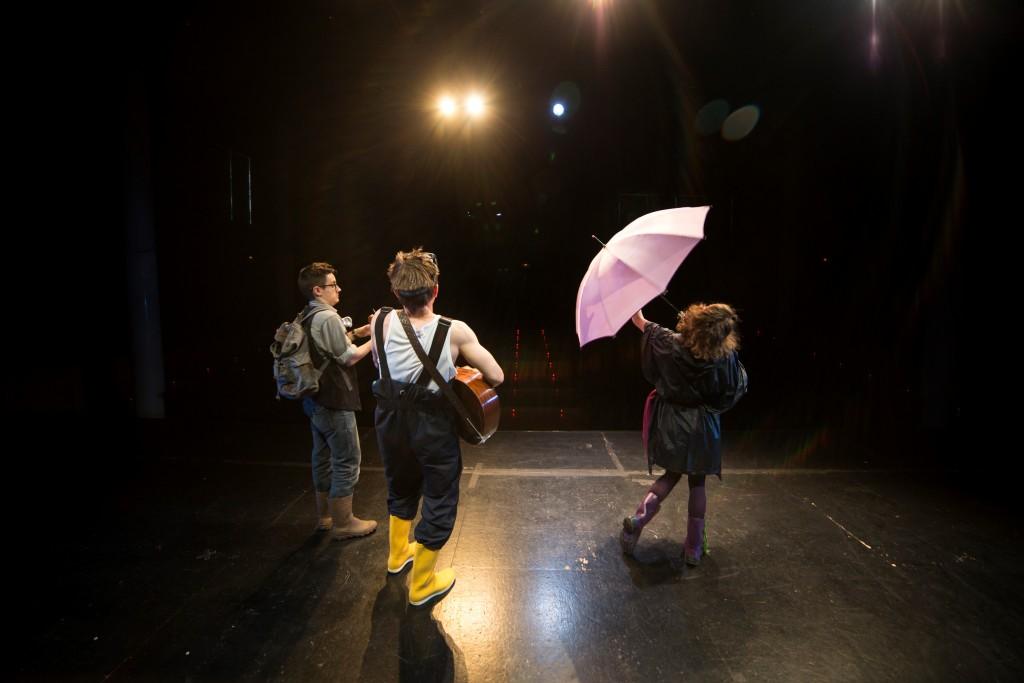 """Escena de """"Astrocaldo y la gran tormenta"""" de Vaca Teatro (Archivo Vaca Teatro)"""
