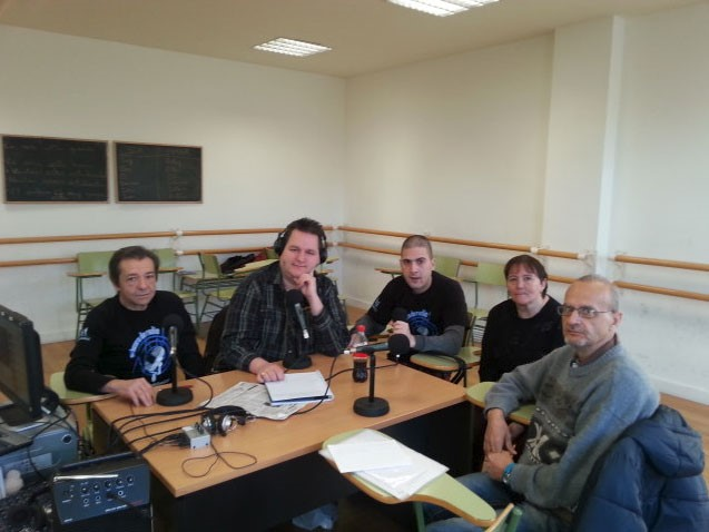 Algunos de los integrantes del equipo de Qué Locura de Radio (Fuente: Fundación Manantial)