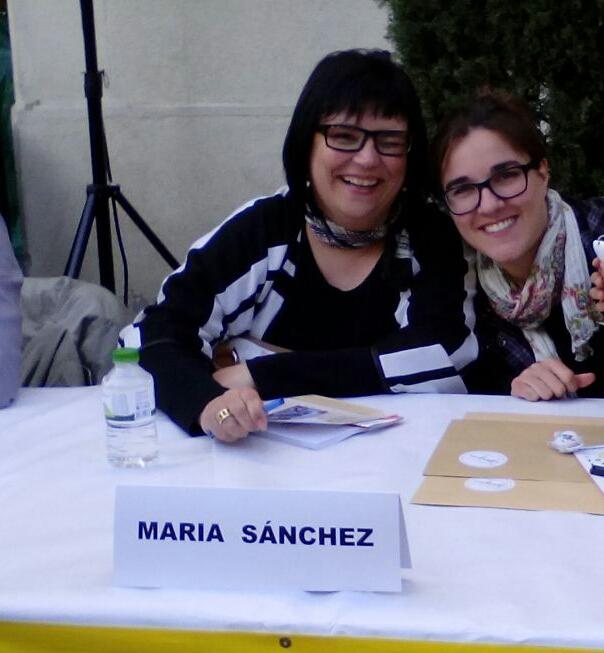María Sánchez con su ilustradora Georgina
