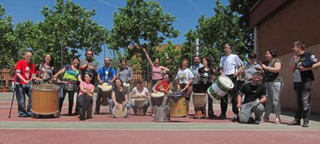 Los Pingüinos batuqueros y la agrupación de percusión africana Sapalima (Fuente: MOVE Arte para todos)