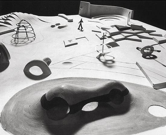 Lugares de juego diseñados por el escultor Isamu Noguchi (1904-1988)