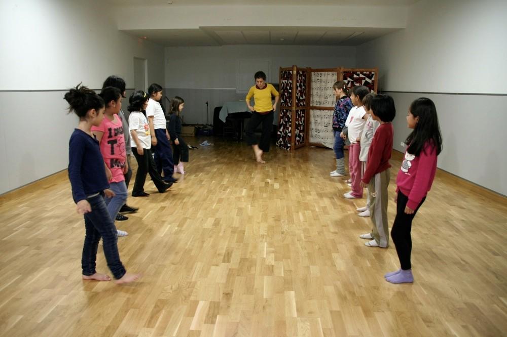 Clase de danza en Centro Xamfrá (Fuente: Fundació Roger Torné)